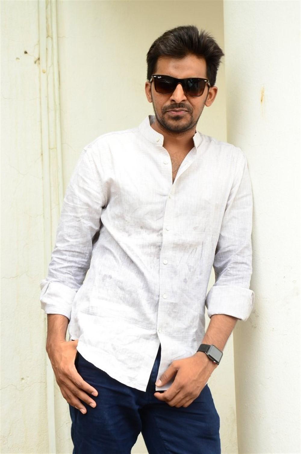 Mallesham Movie Hero Priyadarshi Interview Stills