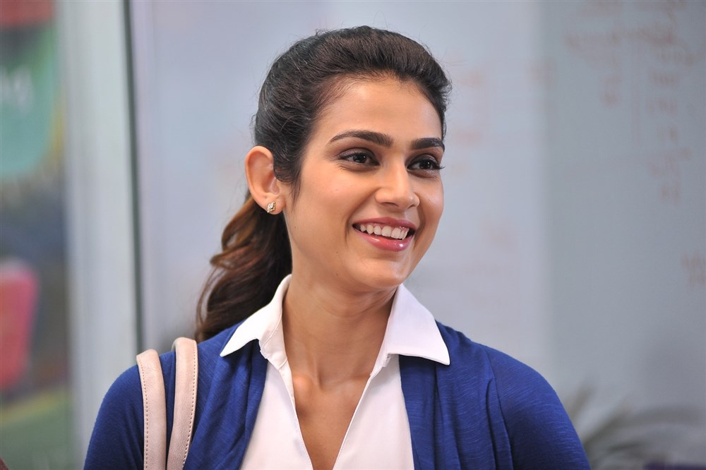 picture 1226341 actress akanksha singh in malli raava