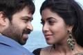 Ashwin Shekhar, Shamna Kasim in Manal Kayiru 2 Movie Stills