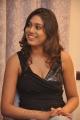 tamil_actress_manisha_yadav_hot_pics_stills_in_black_dress_0895