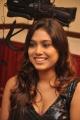 tamil_actress_manisha_yadav_hot_pics_stills_in_black_dress_4621
