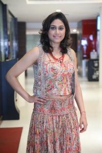 Oru Kuppai Kathai Actress Manisha Yadav Photos