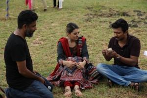Ahmed, Hansika, Udhayanidhi @ Manithan Movie On Location Photos