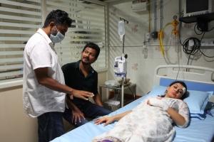 Ahmed, Udhayanidhi, Hansika @ Manithan Movie On Location Photos