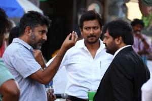 I. Ahmed, Udhayanidhi Stalin, Vivek @ Manithan Movie Working Stills