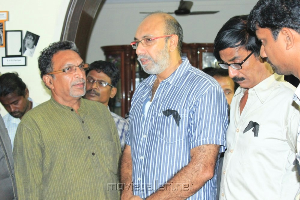Picture 493123 | Nassar, Sathyaraj at Actor Manivannan Passed Away ... Nassar Actor Body