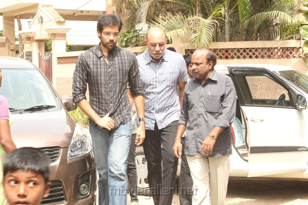 Picture 492738 | Sibiraj, Sathyaraj at Director Manivannan Passed Away ... Nassar Actor Body