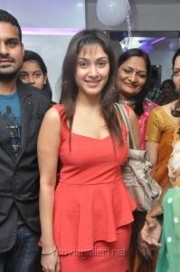 Actress Manjari Phadnis Launches Naturals Salon Vijayawada Photos