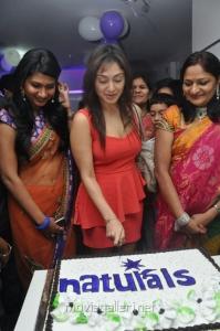 Manjari Launches Naturals Salon at Vijayawada Stills