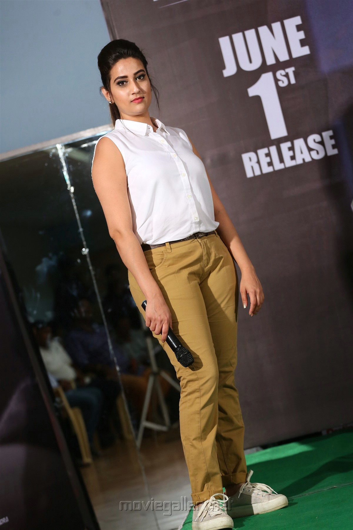 Telugu TV Anchor Manjusha HD Photos @ Officer Press Meet