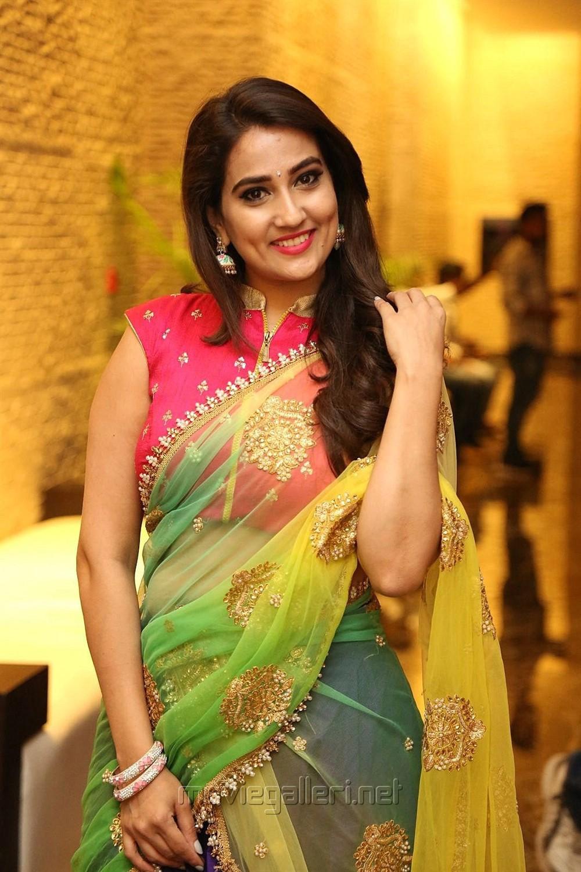 Telugu Anchor Manjusha Latest Hot Photos
