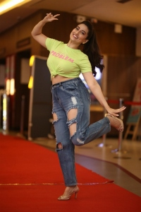 Anchor Manjusha New Pictures @ Most Eligible Bachelor Trailer Launch