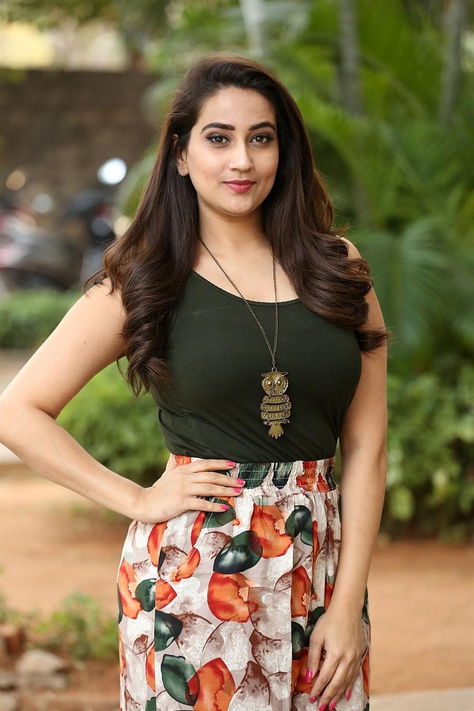 Anchor Manjusha Photos @ Sharaba Movie Success Meet