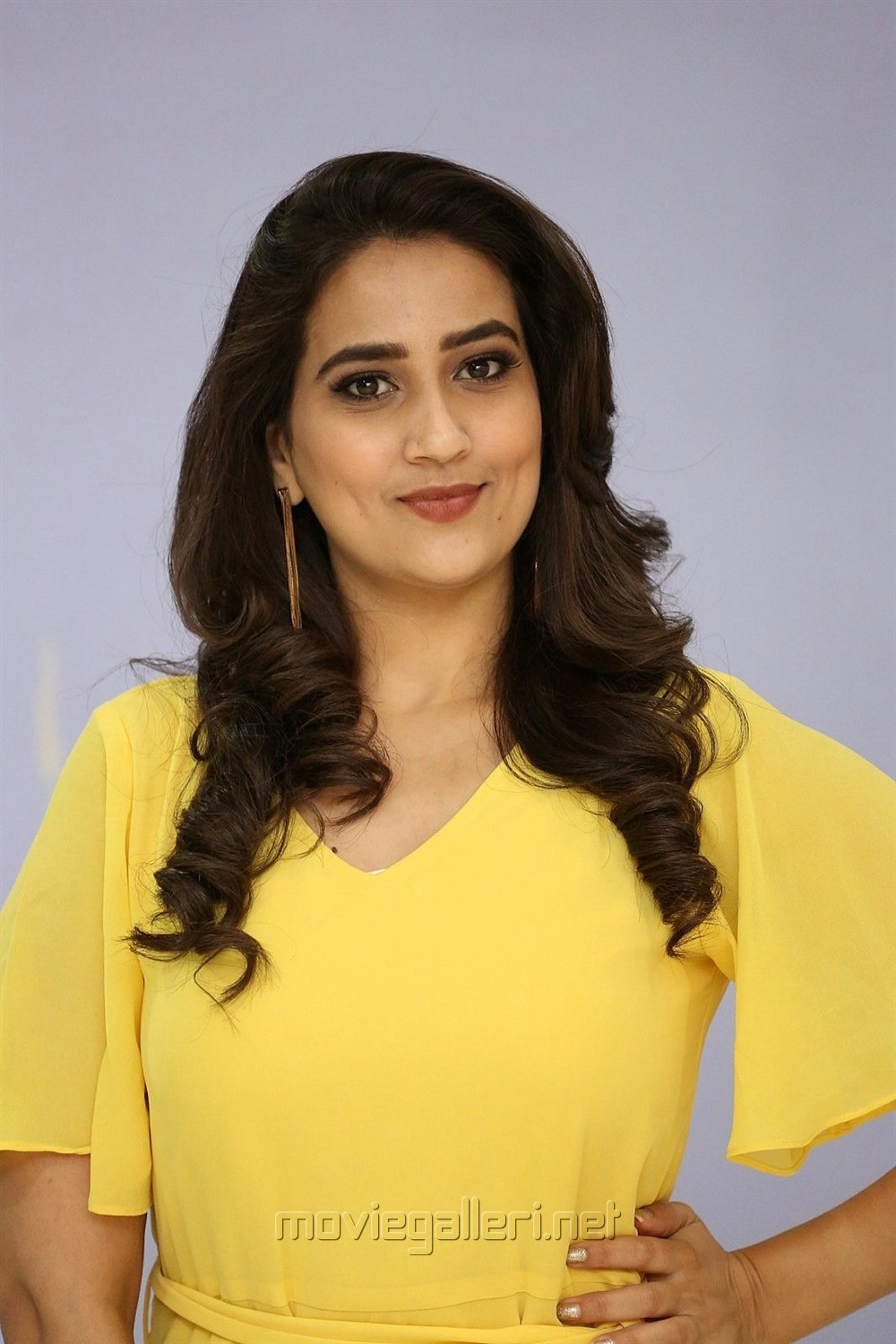 Telugu TV Anchor Manjusha Pics in Yellow Frock
