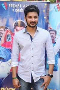 Actor Vishnu @ Mapla Singam Movie Team Interview Photos