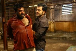 Biju Menon, Prithviraj in Marana Sasanam Telugu Movie Stills