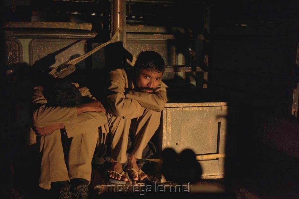 parvathi menon and dhanush - photo #18