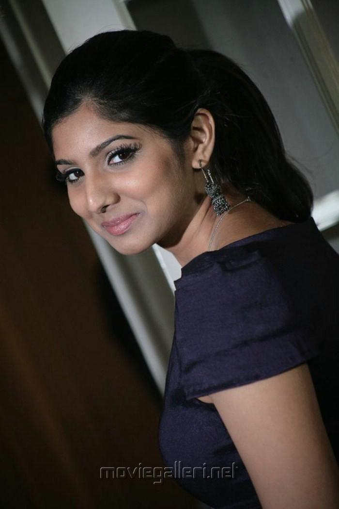 Tamil Ponnu Pundai Padam