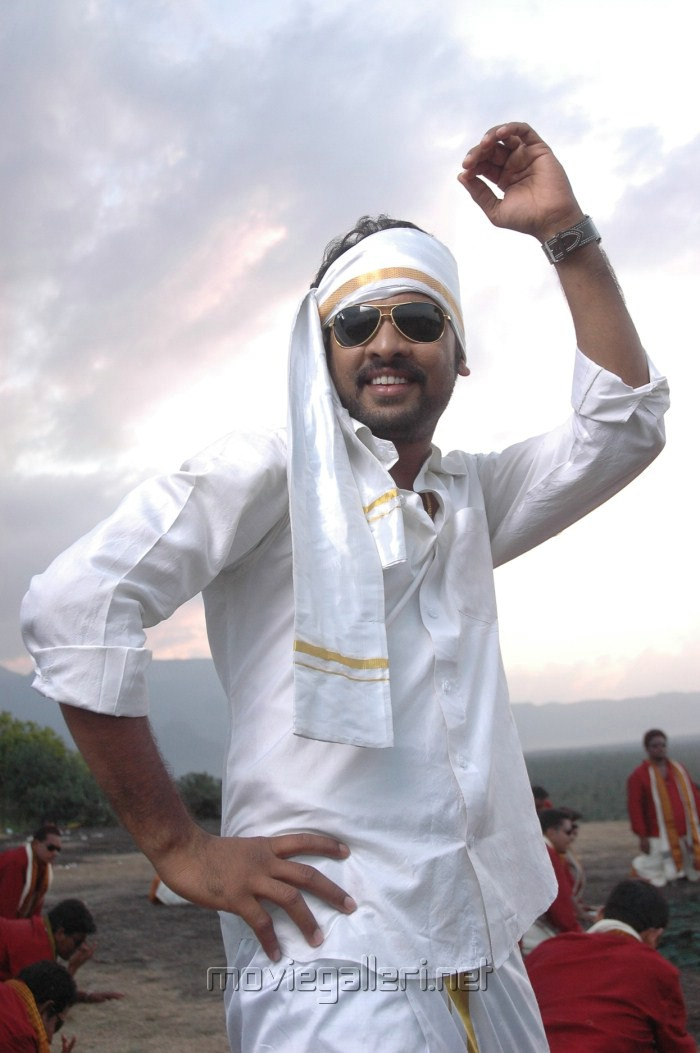 http://moviegalleri.net/wp-content/gallery/masala-cafe-tamil-movie-stills/masala_cafe_movie_stills_anjali_oviya_vimal_shiva_1677.jpg
