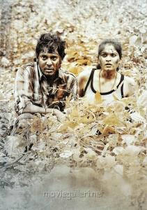 Vijay Vasanth, Vibha Natarajan in Mathil Mel Poonai Movie Stills