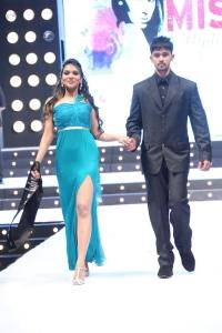 Max Miss Hyderabad 2014 Fashion Show Stills
