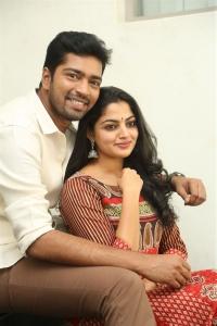 Allari Naresh, Nikhila Vimal @ Meda Meeda Abbayi Movie Opening Stills