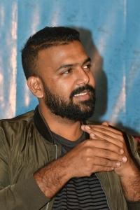 Tharun Bhascker Dhassyam @ Meeku Mathrame Cheptha Thanks Meet Photos