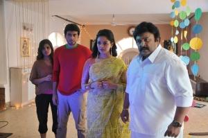 Ashna Zaveri, Kalidas Jayaram, Pooja Kumar, Prabhu in Meen Kuzhambum Man Paanaiyum Movie Stills