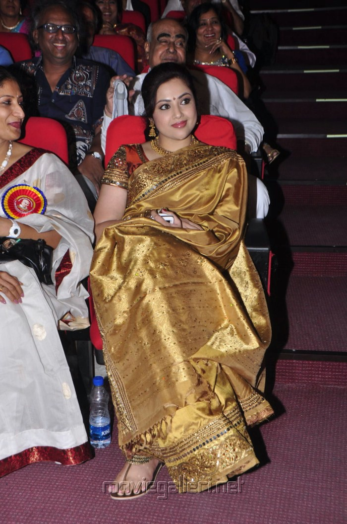 Tamil Actress Meena in Saree Stills