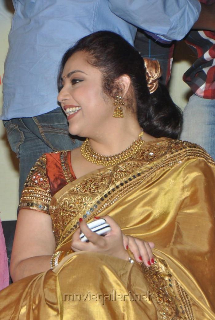 Meena Saree Latest Pics