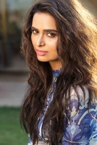 Actress Meenakshi Dixit New Stills HD