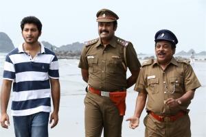 Walter Phillips, Manoj K. Jayan, Singamuthu in Meendum Oru Kadhal Kadhai Movie Stills
