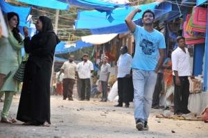 Walter Phillips, Isha Talwar in Meendum Oru Kadhal Kadhai Movie Stills
