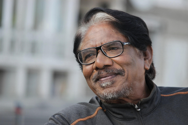 Bharathiraja in Meendum Oru Mariyadhai Movie Stills HD