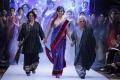 Beautiful Meera Chopra walks the ramp at BPHIFW 2012 Day 3
