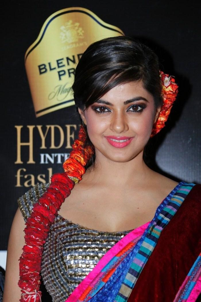 Hot Anchor Meera Meera Chopra Latest Hot Stills