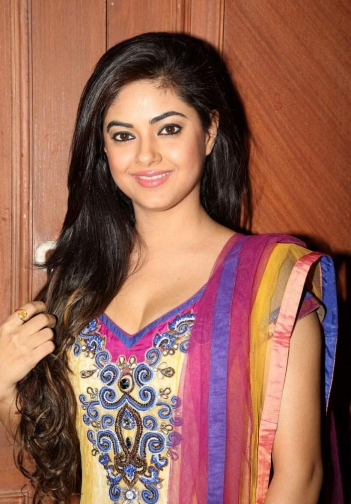 Hot Meera chopra in chudidar