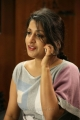 Actress Meera Jasmine Photos in Kangal Irandal Movie
