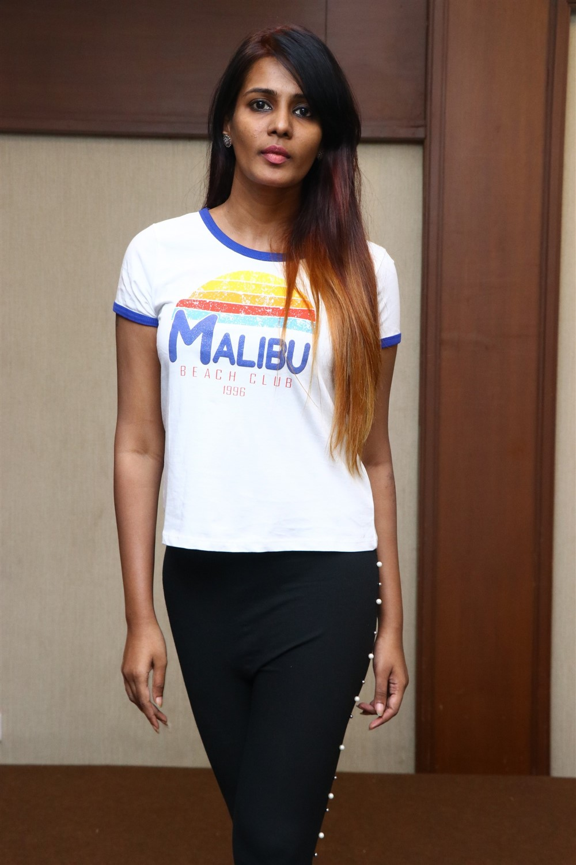 Actress Meera Mitun Press Meet about Miss Tamil Nadu Diva