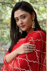 Actress Megha Chowdhury Pictures @ Oorantha Anukuntunnaru Interview