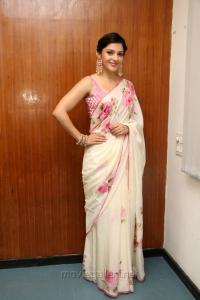 Mehreen Kaur Pirzada New Hot Pics @ Nenjil Thunivirunthal Trailer Launch