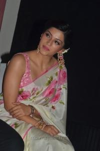 Actress Mehreen Kaur Pirzada Hot Pics @ Nenjil Thunivirunthal Trailer Launch