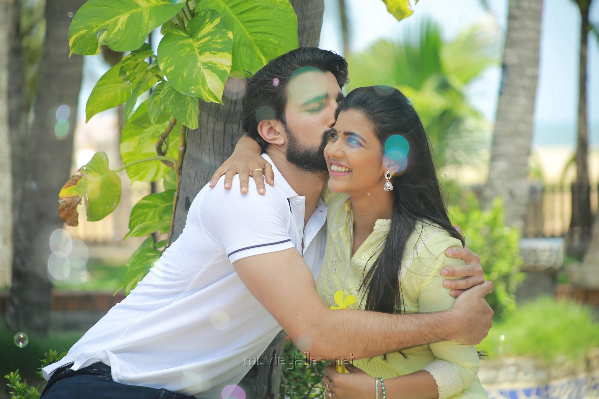 Nicky Sundaram, Aishwarya Rajesh in Mei Movie Stills HD