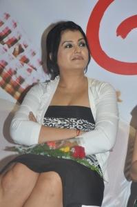 Actress Sona Heiden @ Meiyyazhagi Movie Trailer Launch Photos