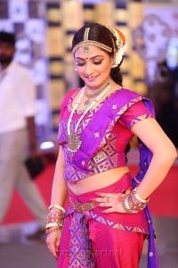 Actress Hari Priya @ Mirchi Music Awards South 2018 Red Carpet Stills