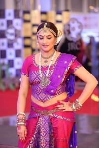 Actress HariPriya @ Mirchi Music Awards South 2018 Red Carpet Stills