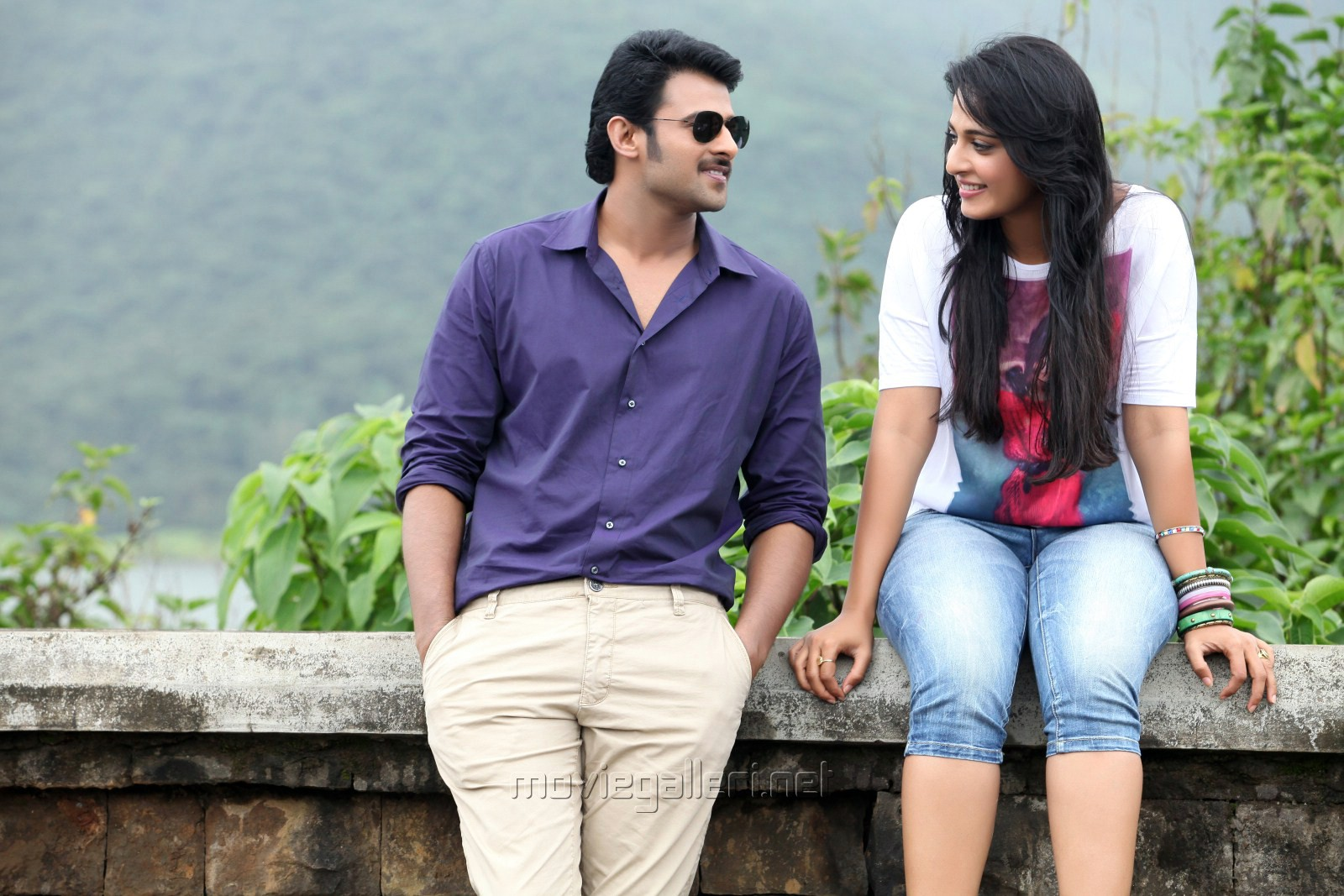 Picture 333041 | Prabhas with Anushka Shetty in Mirchi ...