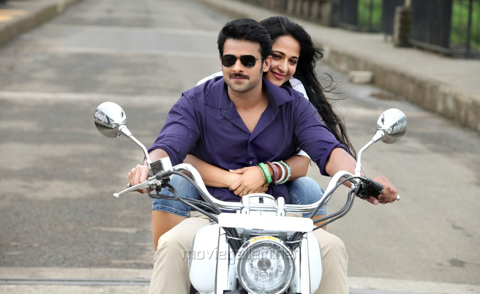 Picture 333042 | Prabhas with Anushka Shetty in Mirchi ...