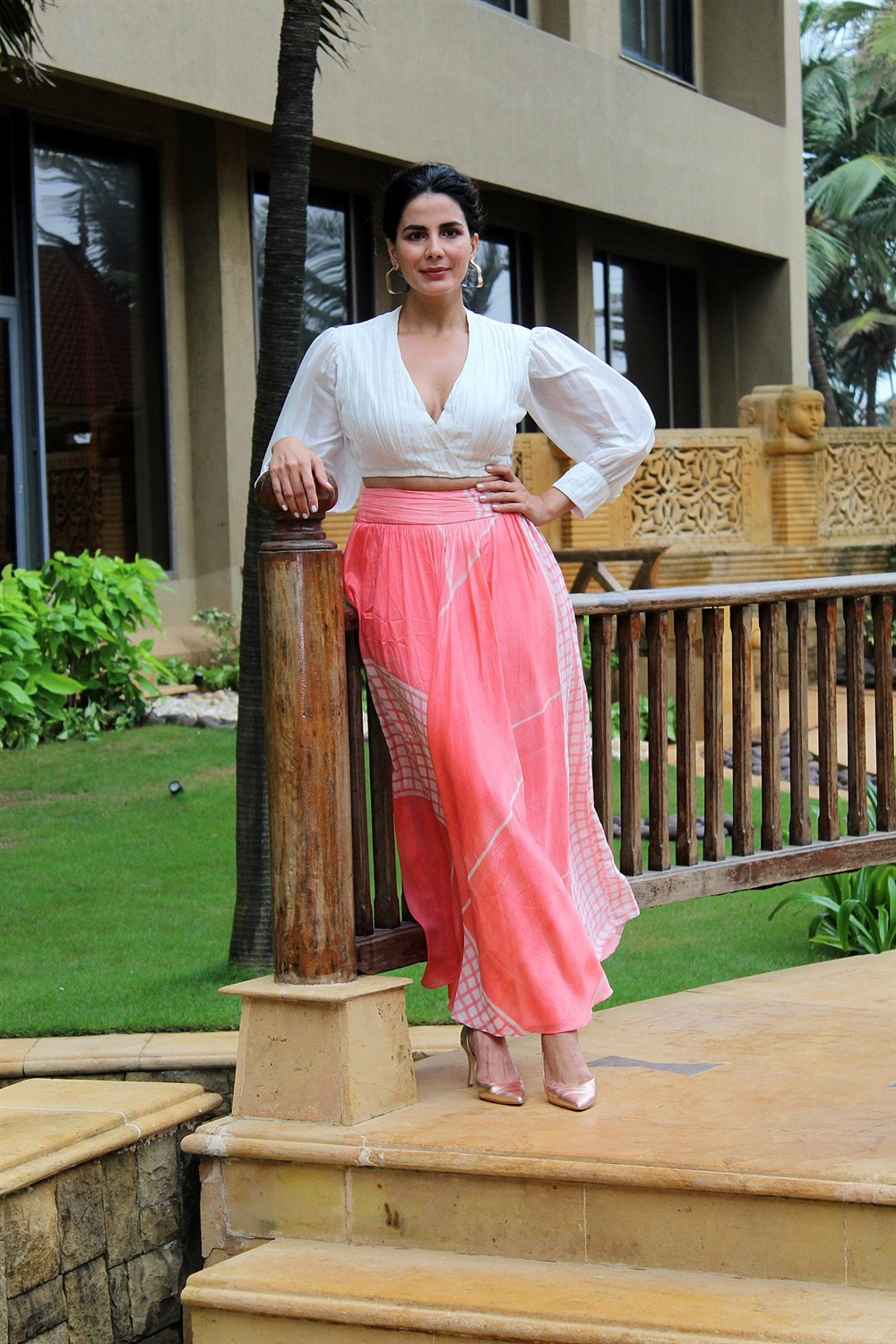 Actress Kirti Kulhari @ Mission Mangal Promotion in JW Marriot Photos