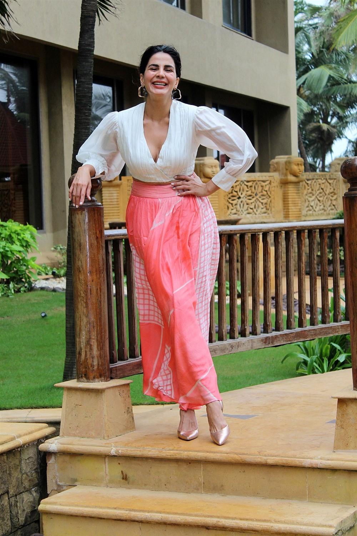 Actress Kirti Kulhari @ Mission Mangal Promotion in JW Marriot Photos
